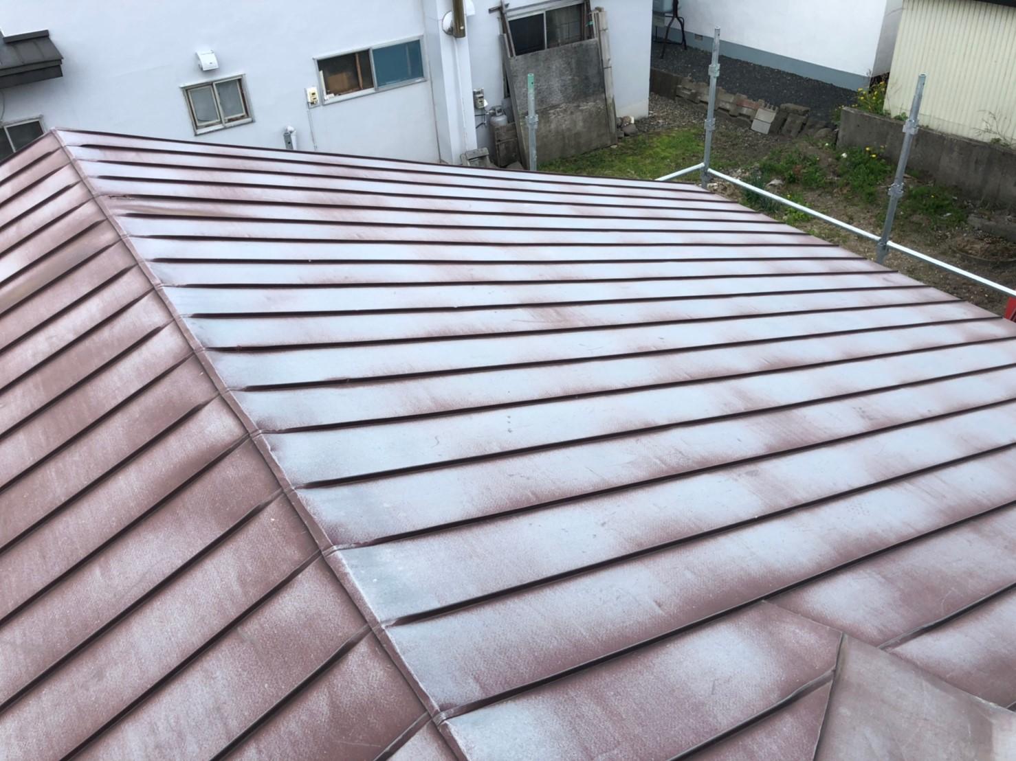 屋根 塗膜剥がれ