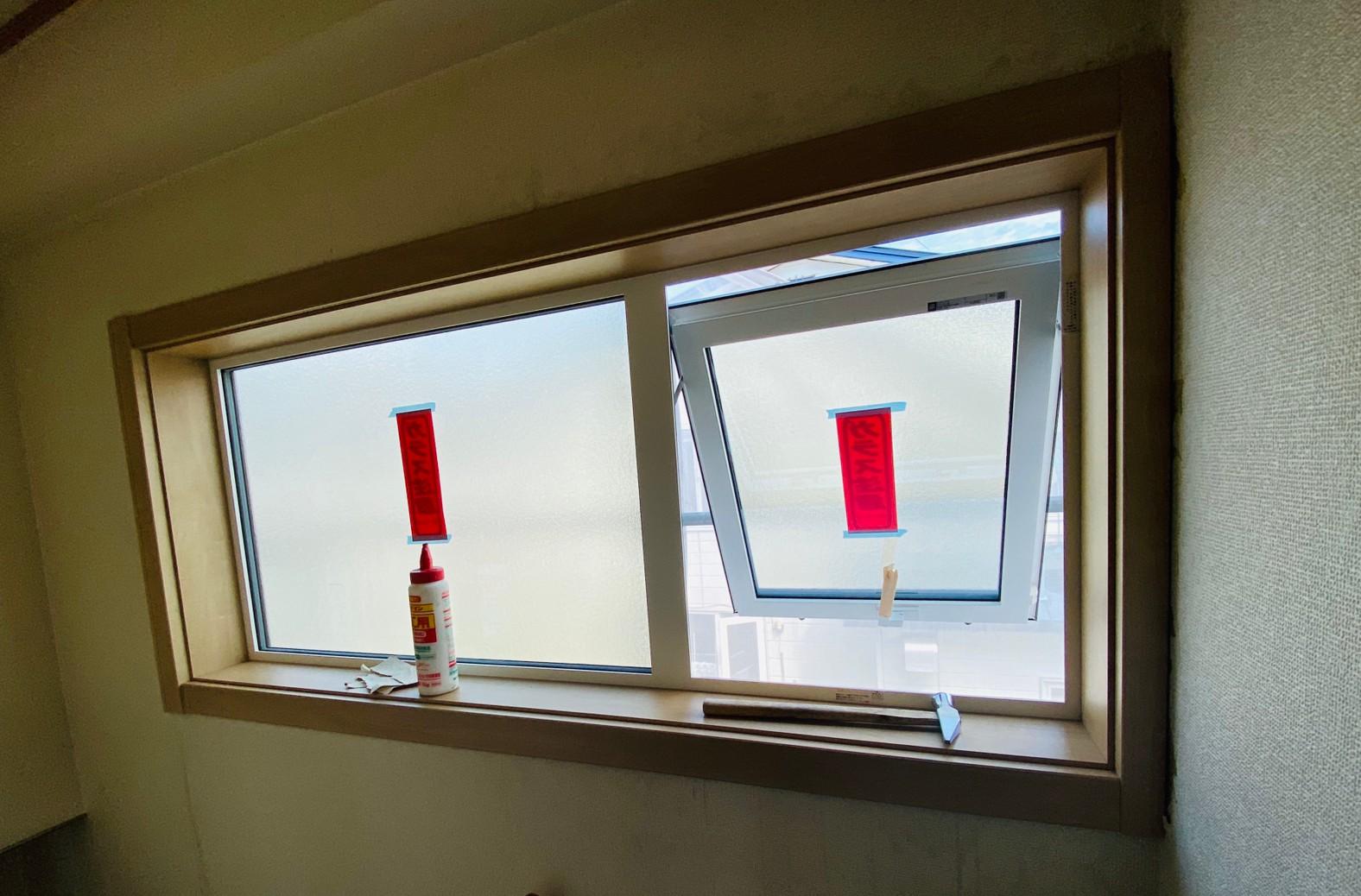 サッシ窓枠取り付け